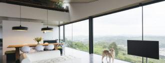Цена на панорамное остекление загородного дома